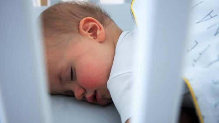 mumla-sen-dziecka-4-750x420 fazy snu niemowlaka kołysanki dla dzieci
