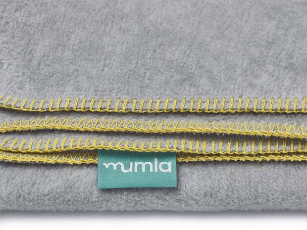 blanket grey yellow-mumla