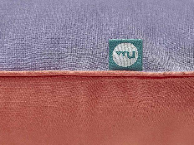 cushion red violet-mumla